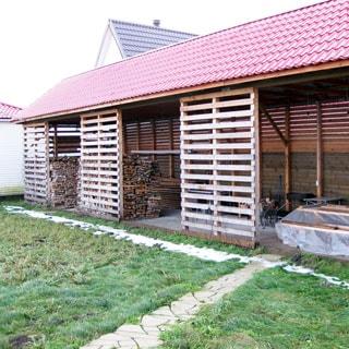Жилой дом 81 кв.м на 21 сотке ЛПХ в Отрадном (Сланцевский) продается. На участке - дровник