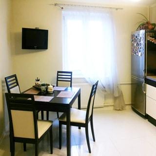 Трехкомнатная квартира 90 кв.м на Комендантском проспекте (Приморский, МО-69, Юнтолово) продается. Просторная светлая кухня 12.8 кв.м