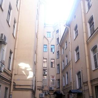 Трехкомнатная квартира 91 кв.м в переулке Гривцова (Адмиралтейский, МО-2, Сенной) продается. Окна - во двор