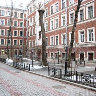 Трехкомнатная квартира 66 кв.м на Невском проспекте (Центральный, МО-79, Литейный) продается. Фасад дома (со двора)