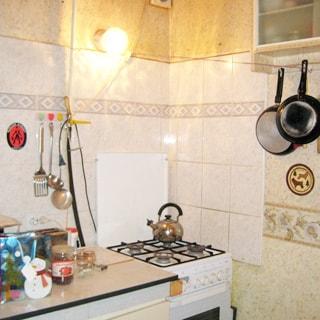 Трехкомнатная квартира 66 кв.м на Невском проспекте (Центральный, МО-79, Литейный) продается. Проходная кухня 6.3 кв.м, одно окно