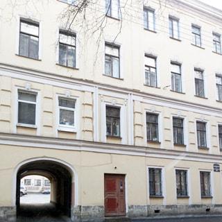 Трехкомнатная квартира 94 кв.м на углу Лермонтовского и Канонерской (Адмиралтейский, МО-1, Коломна) продается. Фасад дома