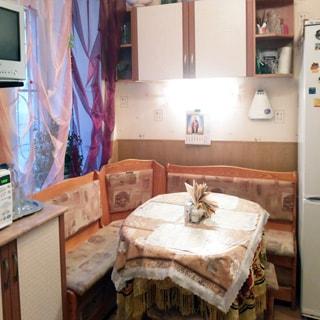 Трехкомнатная квартира 94 кв.м на углу Лермонтовского и Канонерской (Адмиралтейский, МО-1, Коломна) продается. Кухонный уголок