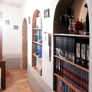 Трехкомнатная квартира 94 кв.м на углу Лермонтовского и Канонерской (Адмиралтейский, МО-1, Коломна) продается. Коридор 13.0 кв.м