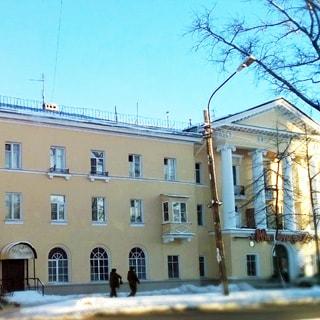 Двухкомнатная квартира 55 кв.м в центре Красного Села (Красносельский, МО-43, Красное Село) продается. Фасад дома