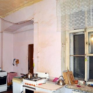Шестикомнатная квартира 166 кв.м на канале Грибоедова (Адмиралтейский, МО-2, Сенной) продается. Кухня 18.8 кв.м