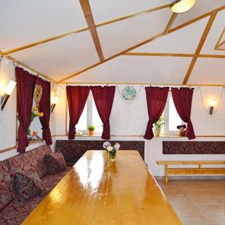 Жилой комплекс 500 кв.м на берегу Лемболовского озера продается. Столовая