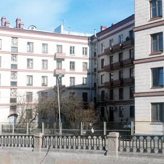 Двухкомнатная квартира 45 кв.м на канале Грибоедова (Адмиралтейский, МО-3) продается. Фасад дома