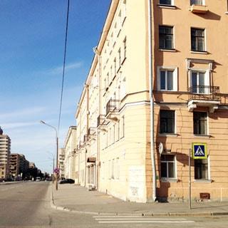 Комната 14 кв.м в 4-комнатной квартире на Большой Охте (Красногвардейский, МО-33, Большая Охта) продается. Фасад дома