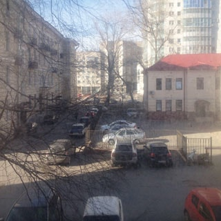 Комната 14 кв.м в 4-комнатной квартире на Большой Охте (Красногвардейский, МО-33, Большая Охта) продается. Окна - во двор, вид из окна