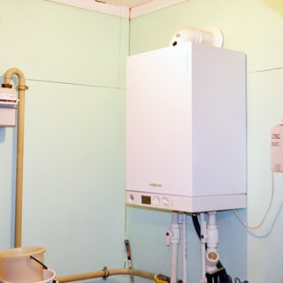 Жилой дом 120 кв.м на участке 15 соток ИЖС в городе Сланцы продается. Двухконтурный газовый котел