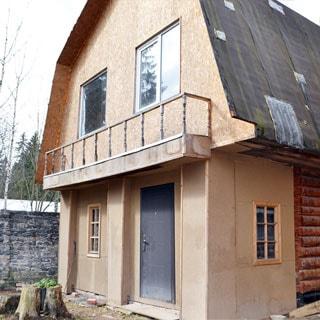 Жилой дом 120 кв.м на участке 15 соток ИЖС в городе Сланцы продается. Гостевой дом - баня